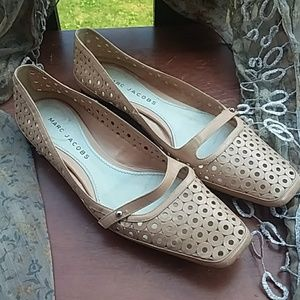 MARC JACOBS ITALY cutout nude flats size 6.5